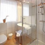 Ferienwohnung Amrum Duschbad mit WC | Ferienwohnungen Büsum Haus Sonnenschein