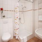 Ferienwohnung Norderney - Duschbad mit WC | Ferienwohnungen Büsum Haus Sonnenschein